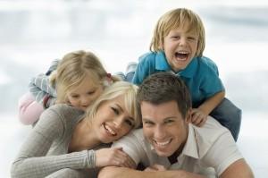 iStock_000007889488Mediumhappyfamily1